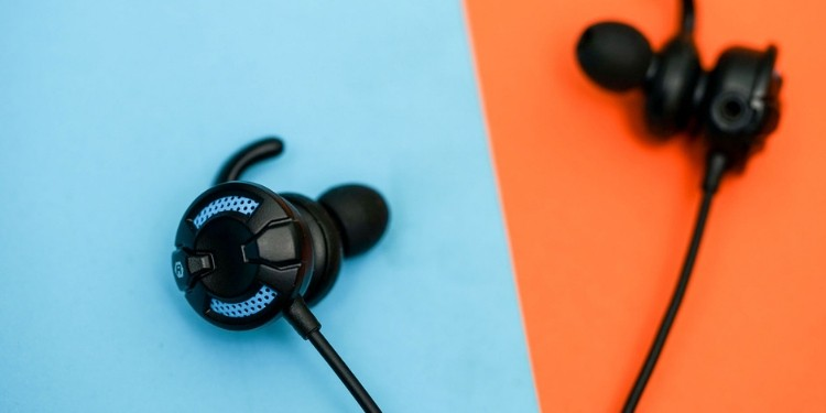 Best Gaming Earbuds 2020 Noise Canceling Microphone And More